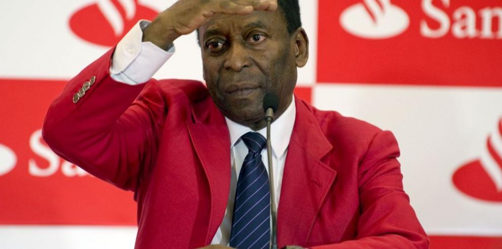 Ex futbolista brasileño Pelé es dado de alta tras cirugía