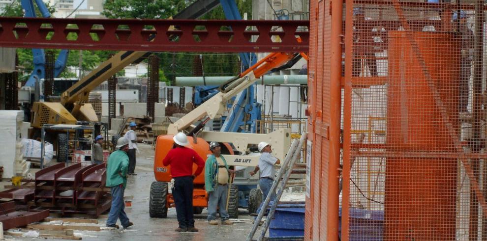 Economía de Puerto Rico cae 3.3% a octubre