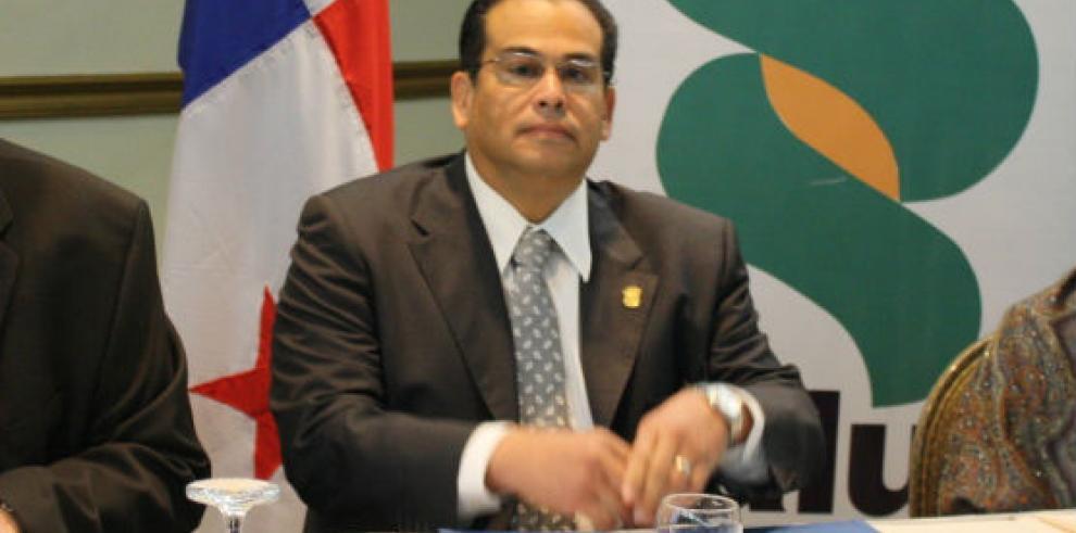 Julio Santamaría designado ministro de Salud en gobierno de Varela