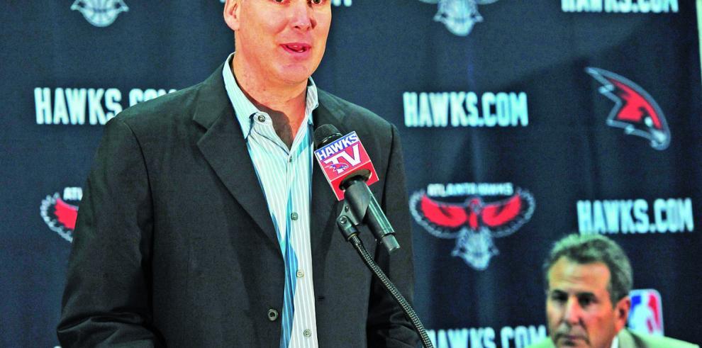 Hawks le impone dura sanción a Ferry