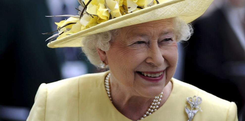 Descalifican caballo de la reina Isabel II por dopaje