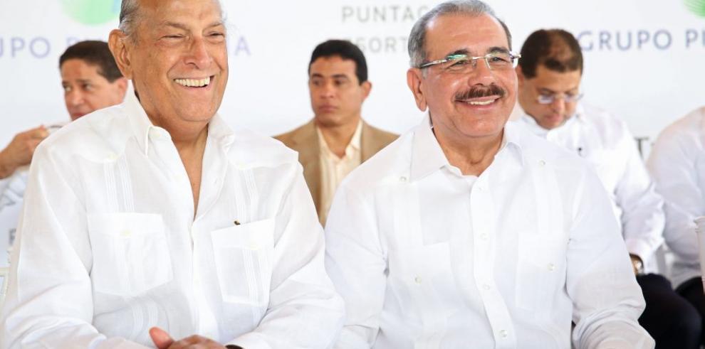 Presidente dominicano rinde tributo a Oscar de la Renta