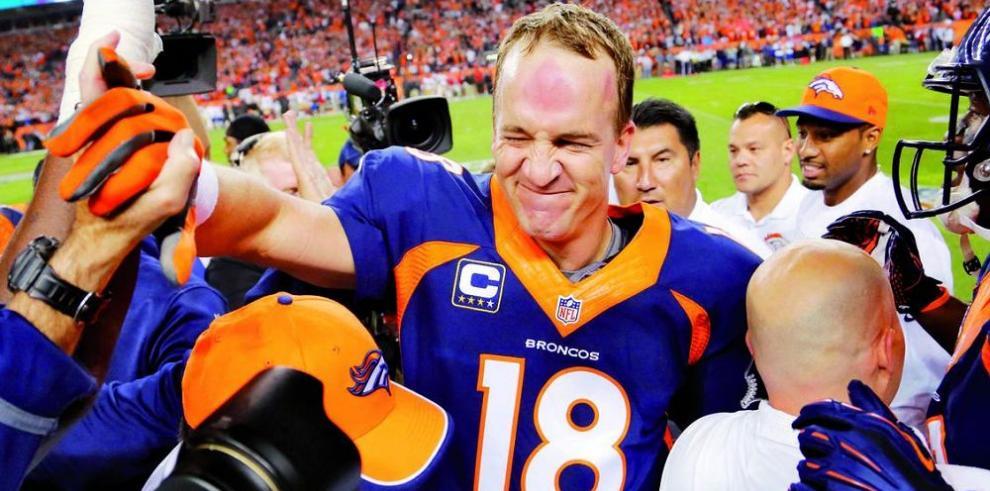 Peyton Manning entró con buen brazo en la historia de la NFL