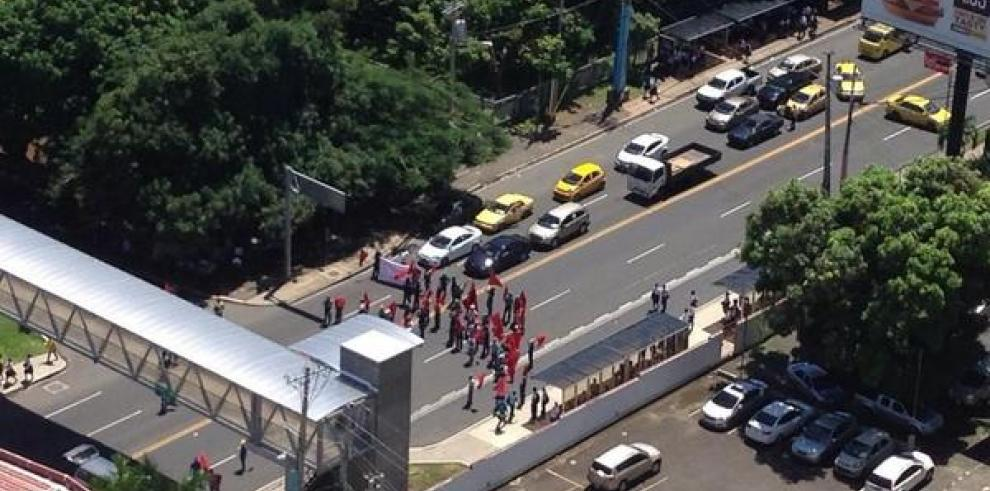 Suntracs realizó cierre en varios puntos de la ciudad de Panamá