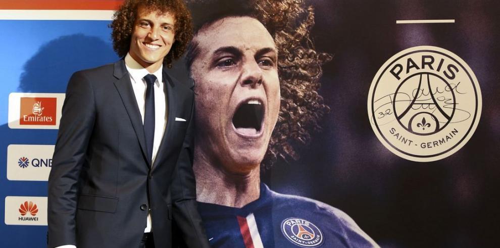El PSG presenta a David Luiz
