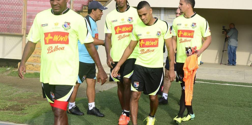 Comienza práctica del equipo mayor de fútbol