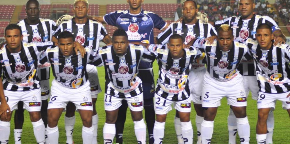 El Tauro FC viaja el martes a Kinstong