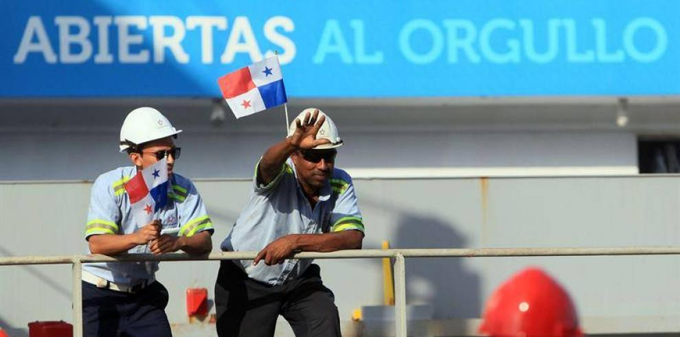 El lado humano de la centenaria eficiencia en el Canal de Panamá