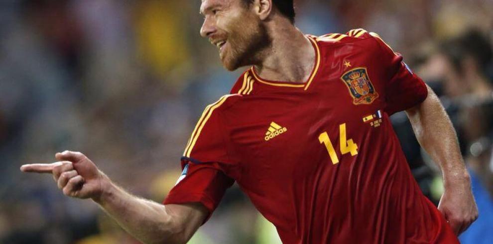 Xabi Alonso se retira de la selección española