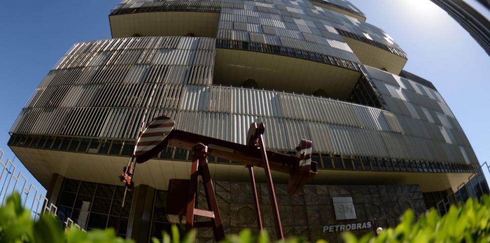 Petrobras inaugura plataforma marítima