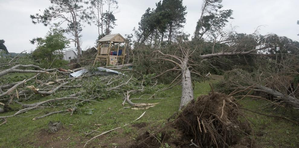 Un muerto y 15 heridos tras el paso de dos tornados en Nebraska