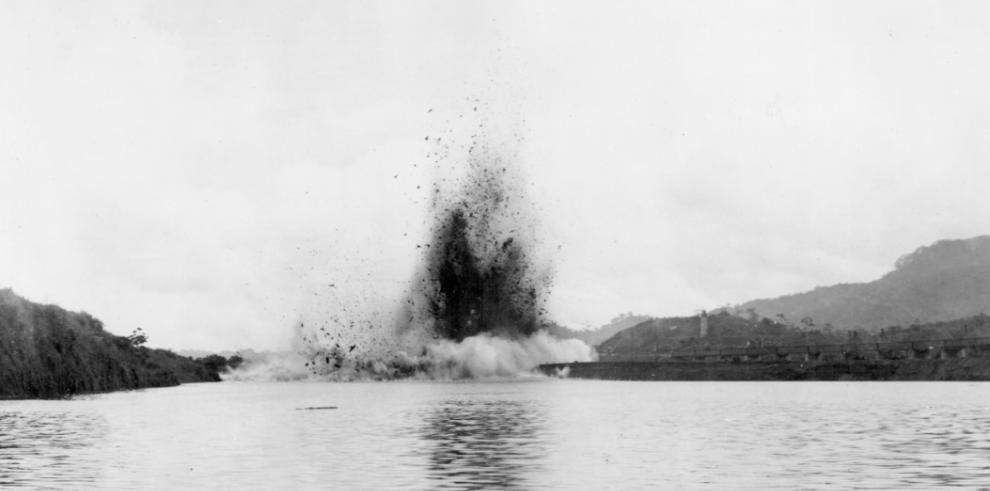 ¿Cómo se construyó el Canal de Panamá en el siglo XX?