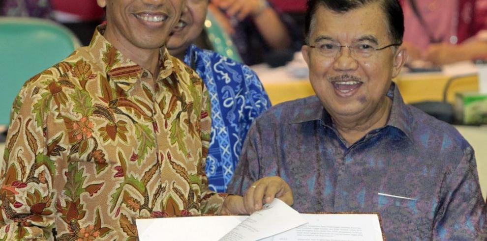 El gobernador de Yakarta, Joko Widodo, toma el mando de Indonesia