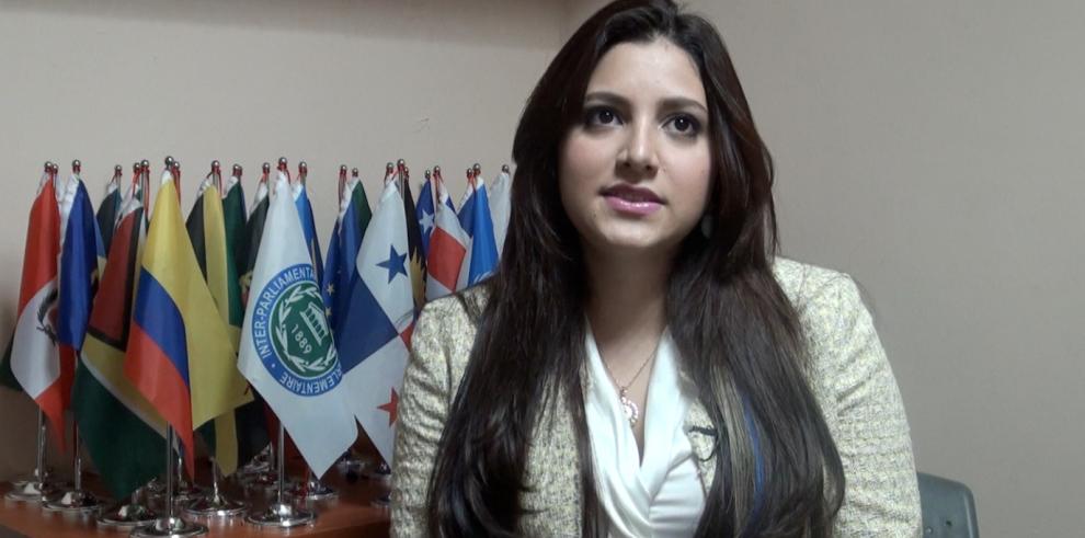 La otra cara de Katleen Levy: La diputada más joven de la Asamblea