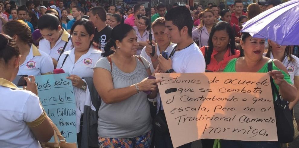 Comerciantes tico-panameños cierran la frontera