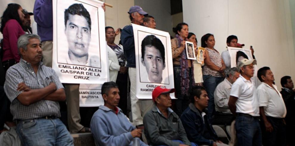 Peña Nieto pide confianza a los padres de los 43 desaparecidos