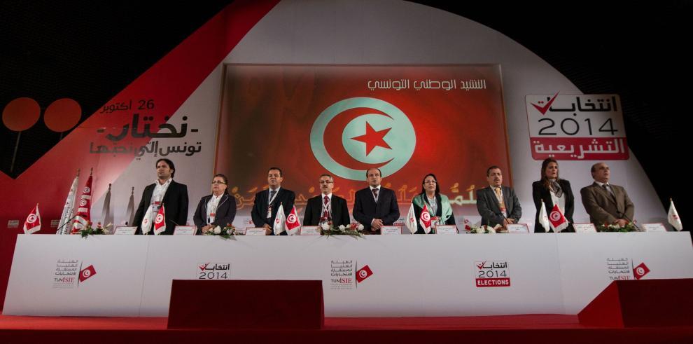 El partido laico Nida Tunis gana las parlamentarias en Túnez sin mayoría