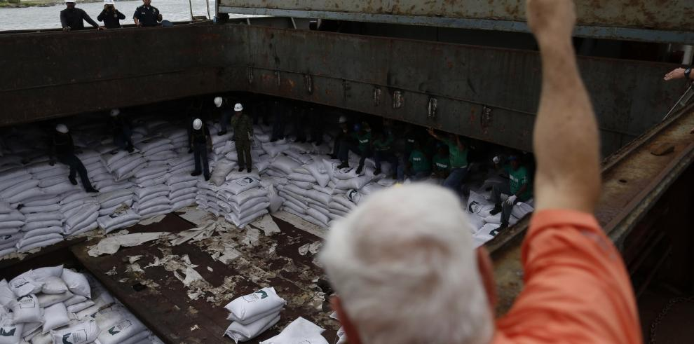 Investigan hurto de azúcar hallada en buque norcoreano en Panamá