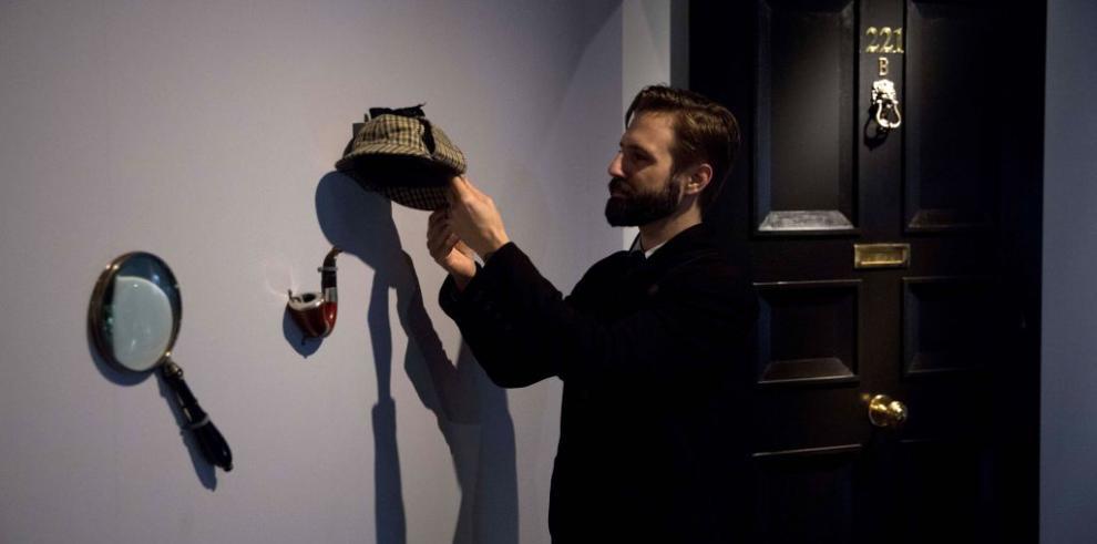 Sherlock Holmes, al descubierto más allá de la lupa y la pipa