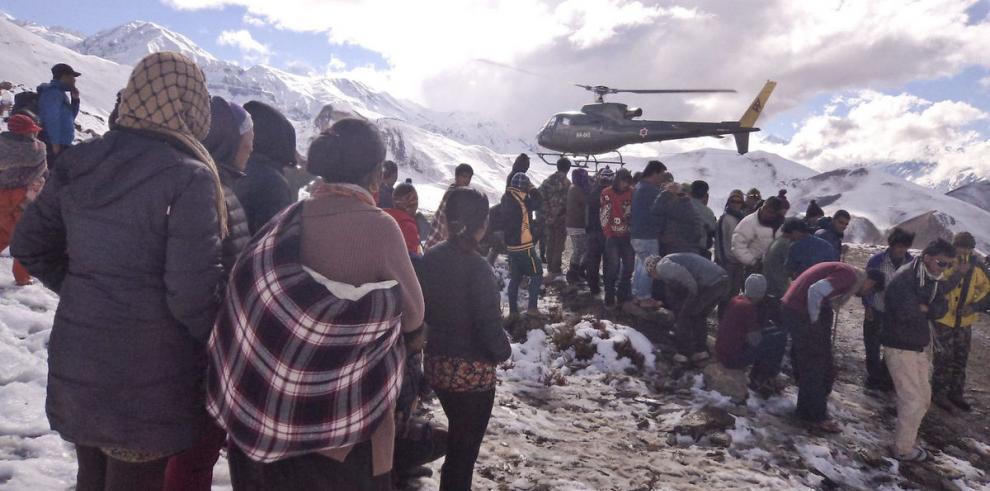 Mueren 17 montañeros en el Himalaya por tormenta de nieve