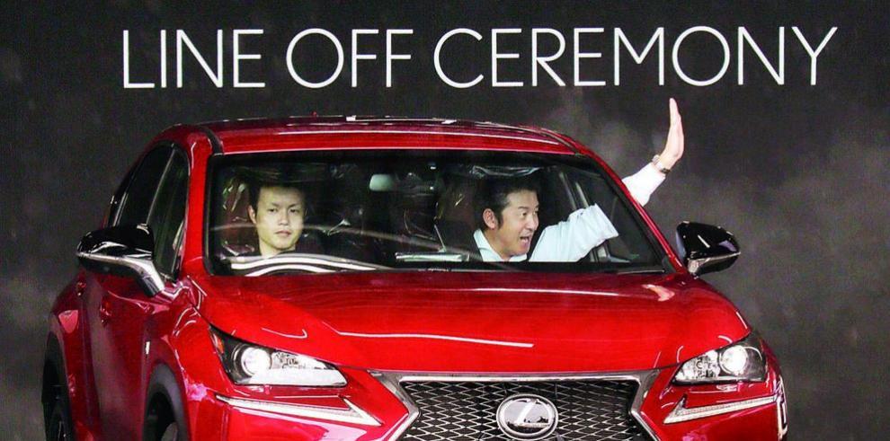 Toyota llama a revisión 1.7 millones de Lexus