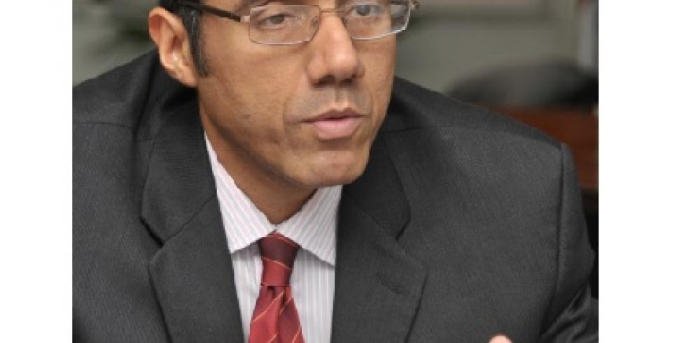 Director de ingresos dice hay más de 6.000 expedientes pendientes