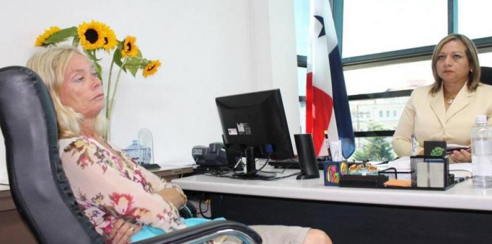 Dutch girls' lawyer will sue the Public Prosecutors