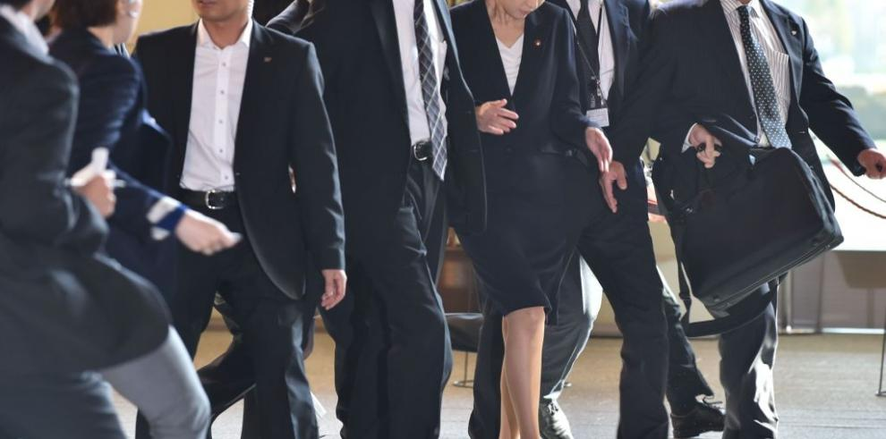 Renuncia nueva ministra japonesa de Economía por uso ilegal de fondos