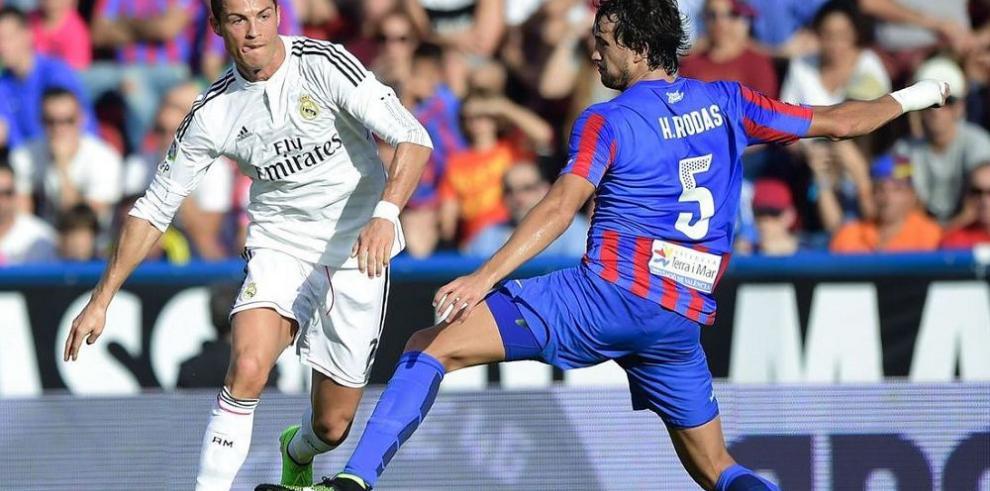 Barsa y Real Madrid ganan con solvencia
