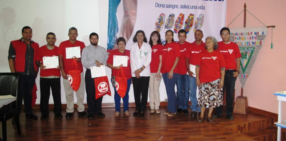 Donantes de sangre reciben homenaje