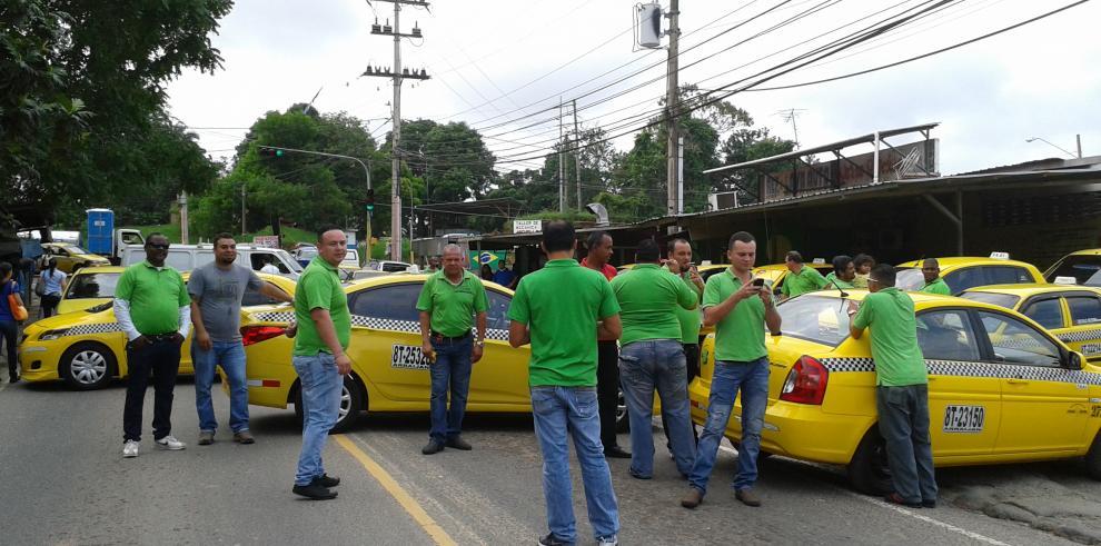 Transportistas de Arraiján cierran la entrada a Nuevo Chorrillo