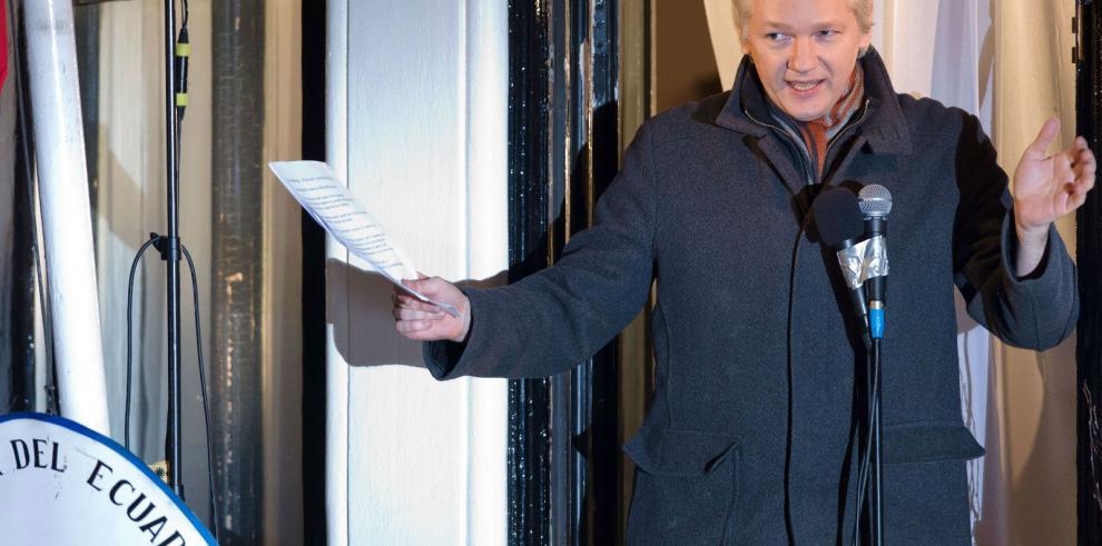 Assange lucha contra su encierro sin atisbo de salida