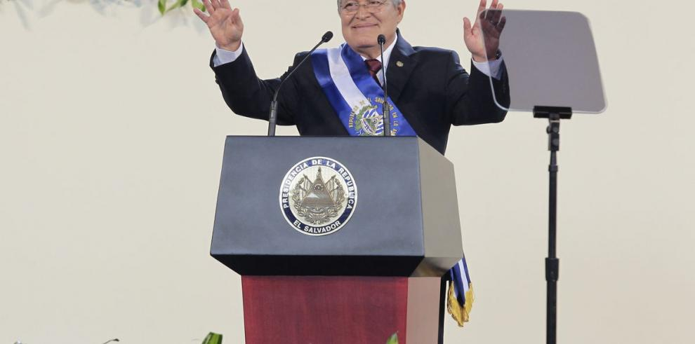 Salvador Sánchez Cerén asumió presidencia salvadoreña