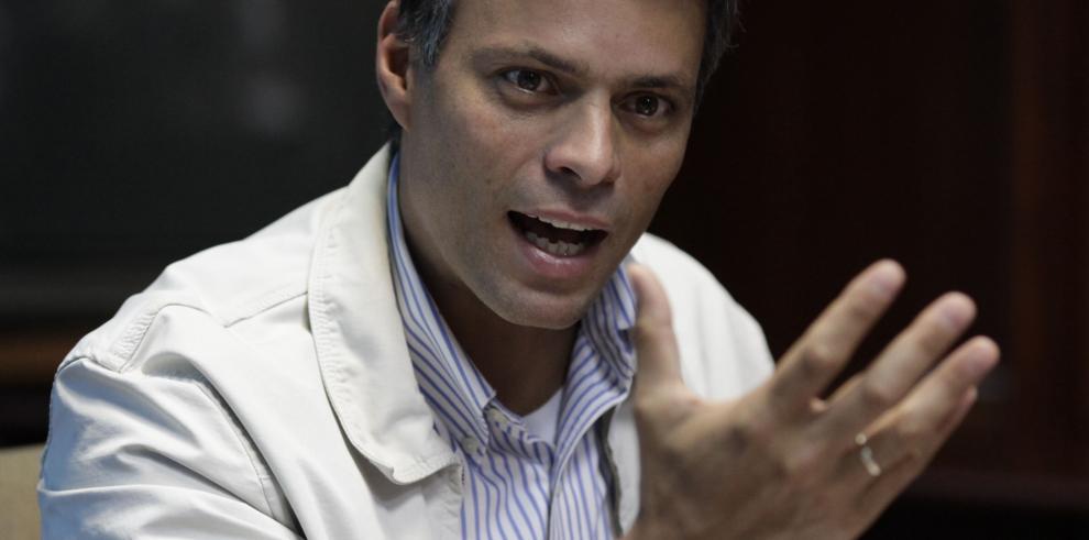 Defensa de Leopoldo López estima que juicio será a fines de agosto