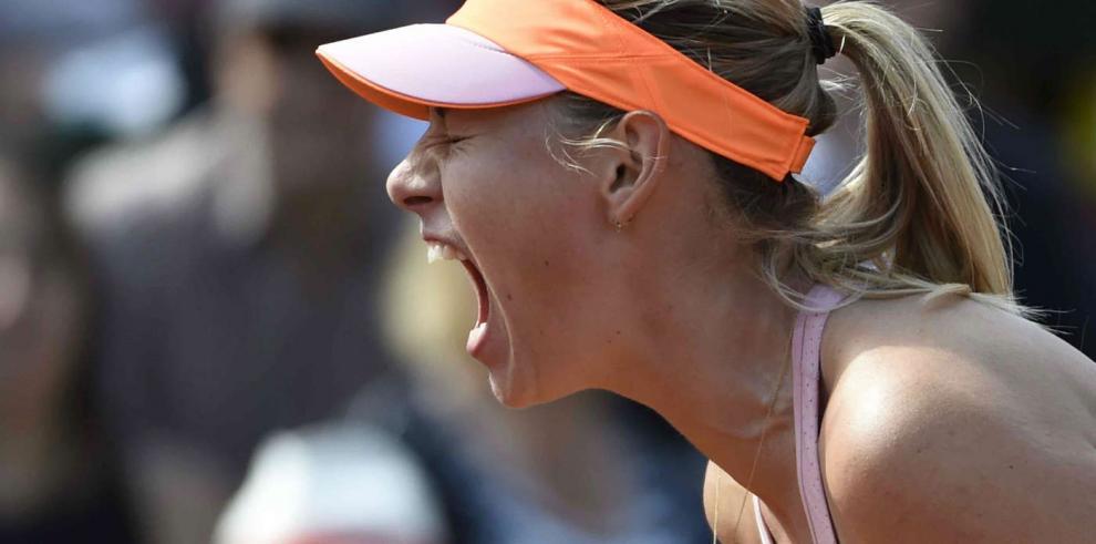 Sharapova remonta y accede a su tercera final de Roland Garros