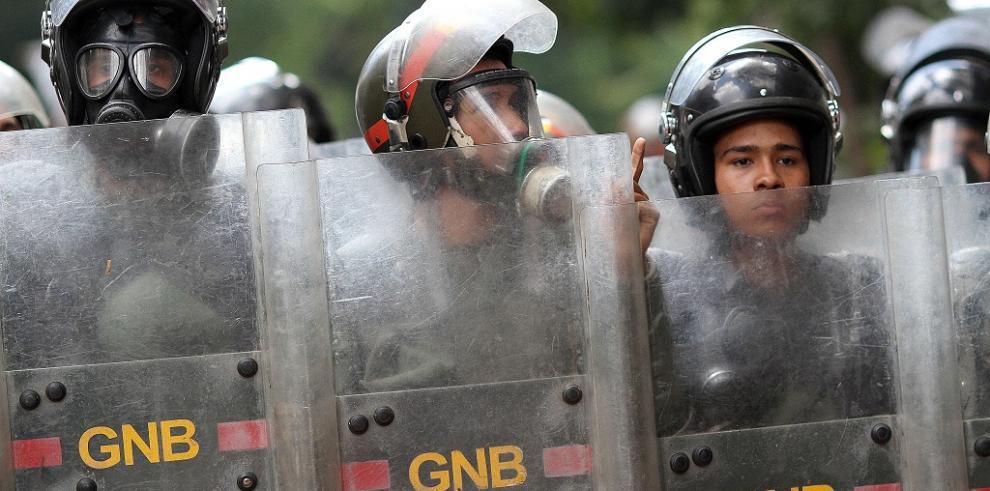 Familia de embarazada muerta pide paz en Venezuela