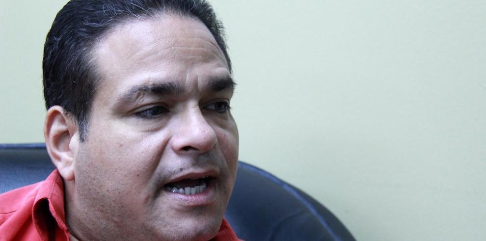 Diputado Arosemena del PRD denuncia irregularidades