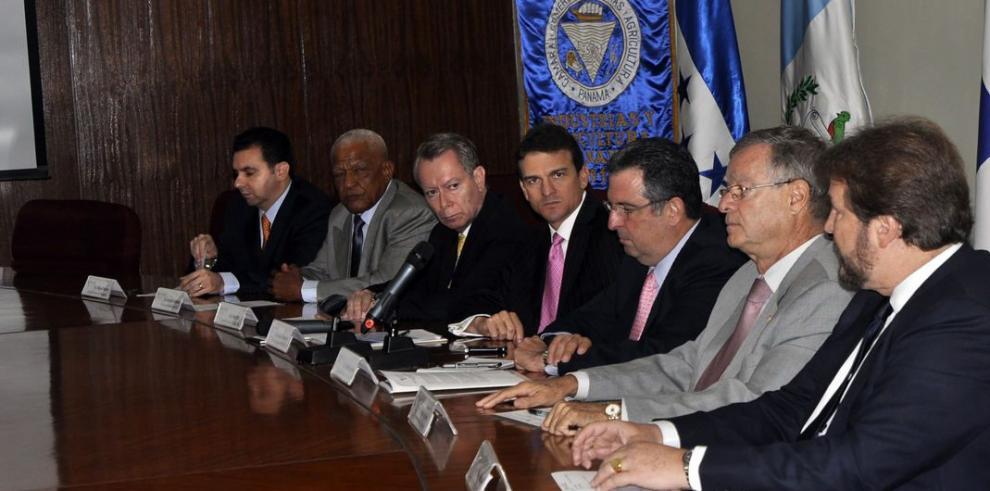 Fecamco se reúne para tratar temas regionales