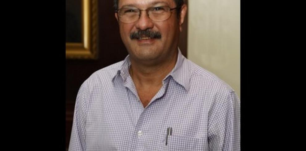 Presidente Varela designa aEstivenson Girón, nuevo director de la CSS
