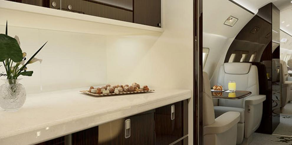 Presentan 'avión apartamento' en feria de Brasil