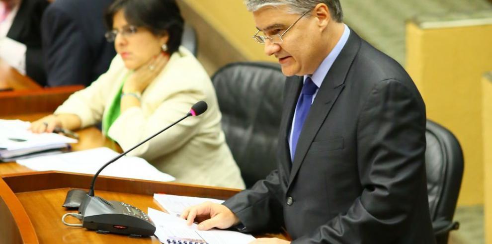 MEF cambiaría otra vez la ley que pone tope al déficit fiscal