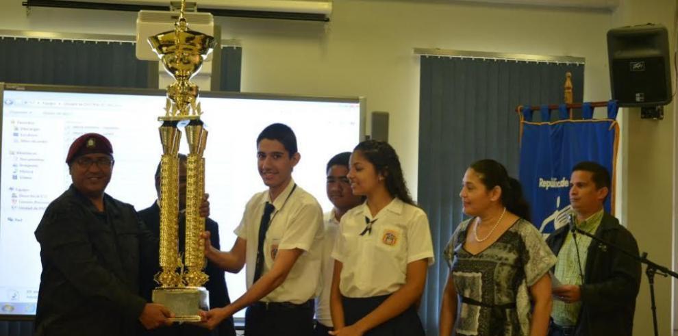 Colegios y bandas independientes reciben reconocimiento
