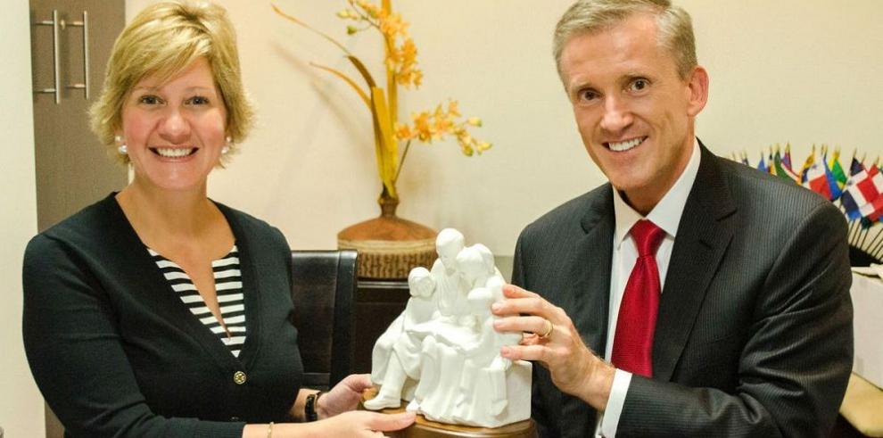 Comisión SUD se reúne con la primera dama