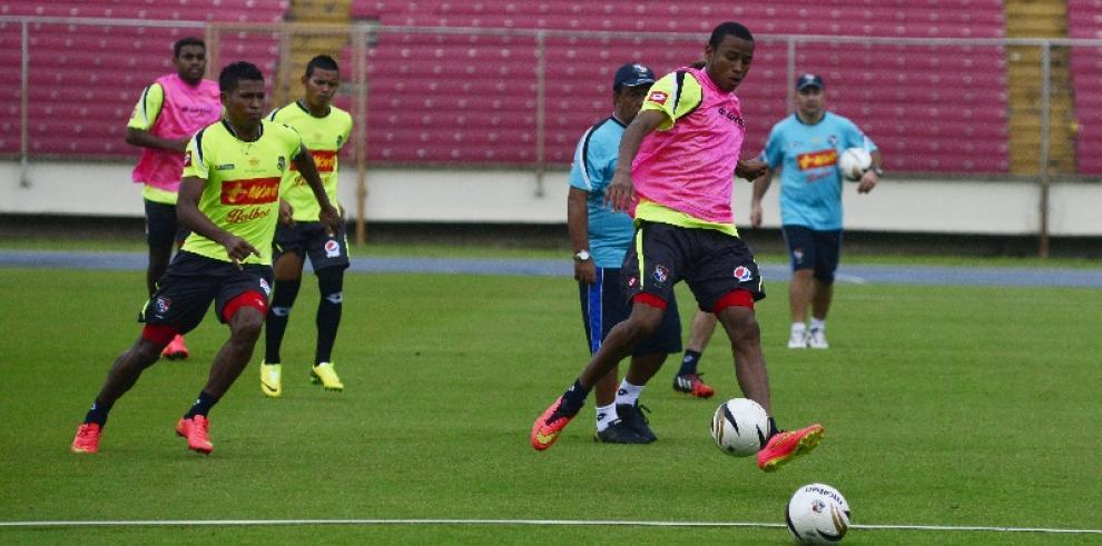 El Salvador y Panamá juegan un partido amistoso en San Salvador