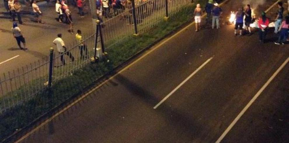 Vía a la capital ya está abierta, pero sigue el tráfico lento en Arraiján