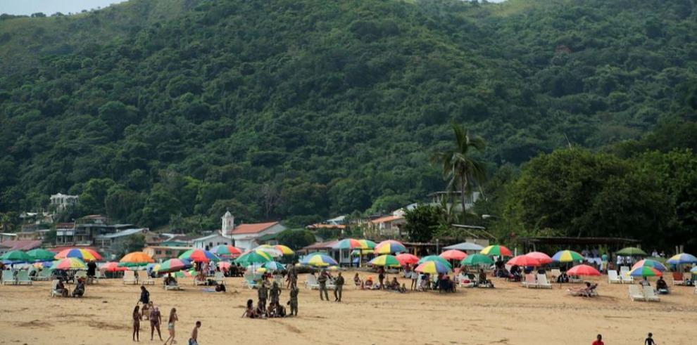 Isla de Taboga, paraíso natural amenazado por la basura