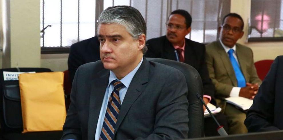 MEF pasa presupuesto de 2015 al Ejecutivo