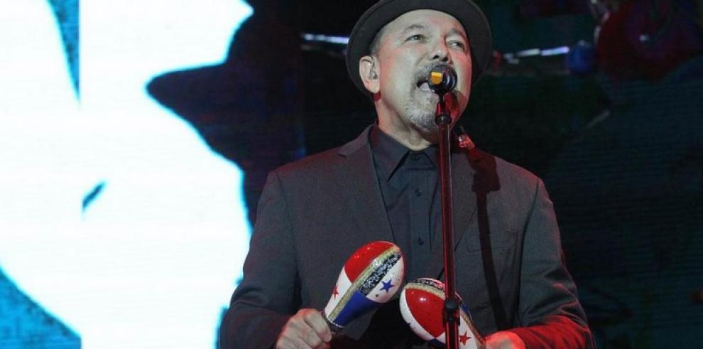 Rubén Blades pide justicia por los estudiantes desaparecidos en México