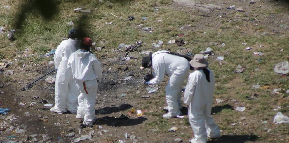 Estudiantes desaparecidos son buscados en un basurero del sur de México