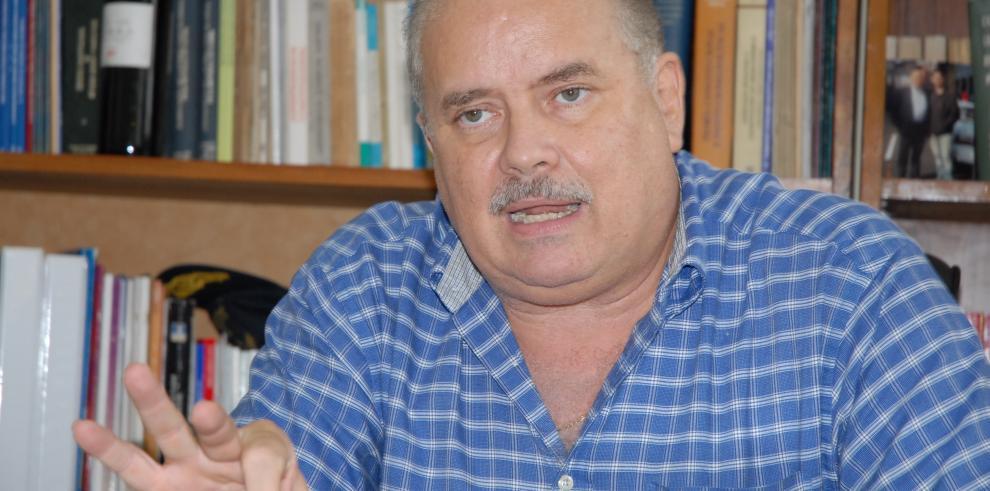 Suspenden programa radial de Miguel Antonio Bernal